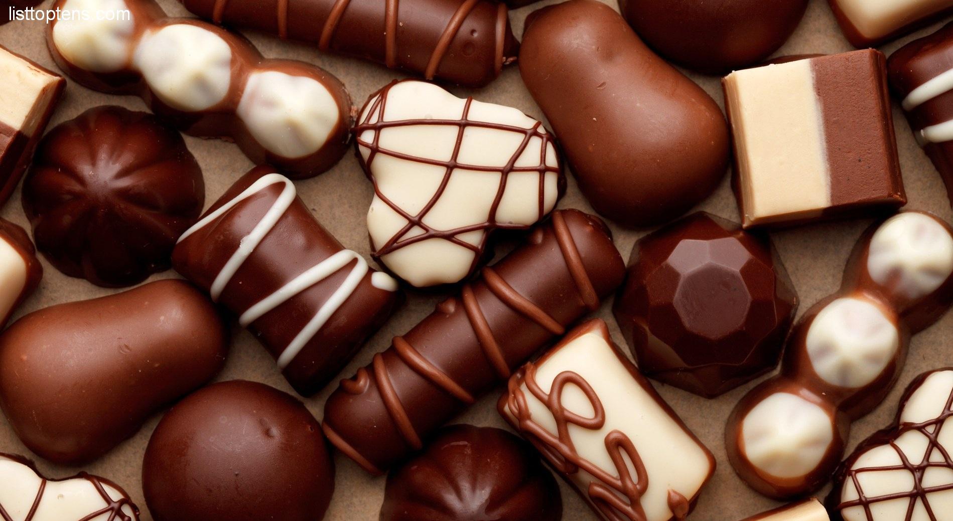 Открытка с конфетами и шоколадом 980