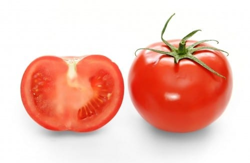 Best Home Remedies For Acne And Pimples - Use Tomatoes