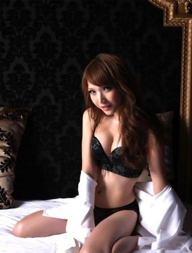 Beautiful Women Who Were Born Male - Alicia Liu