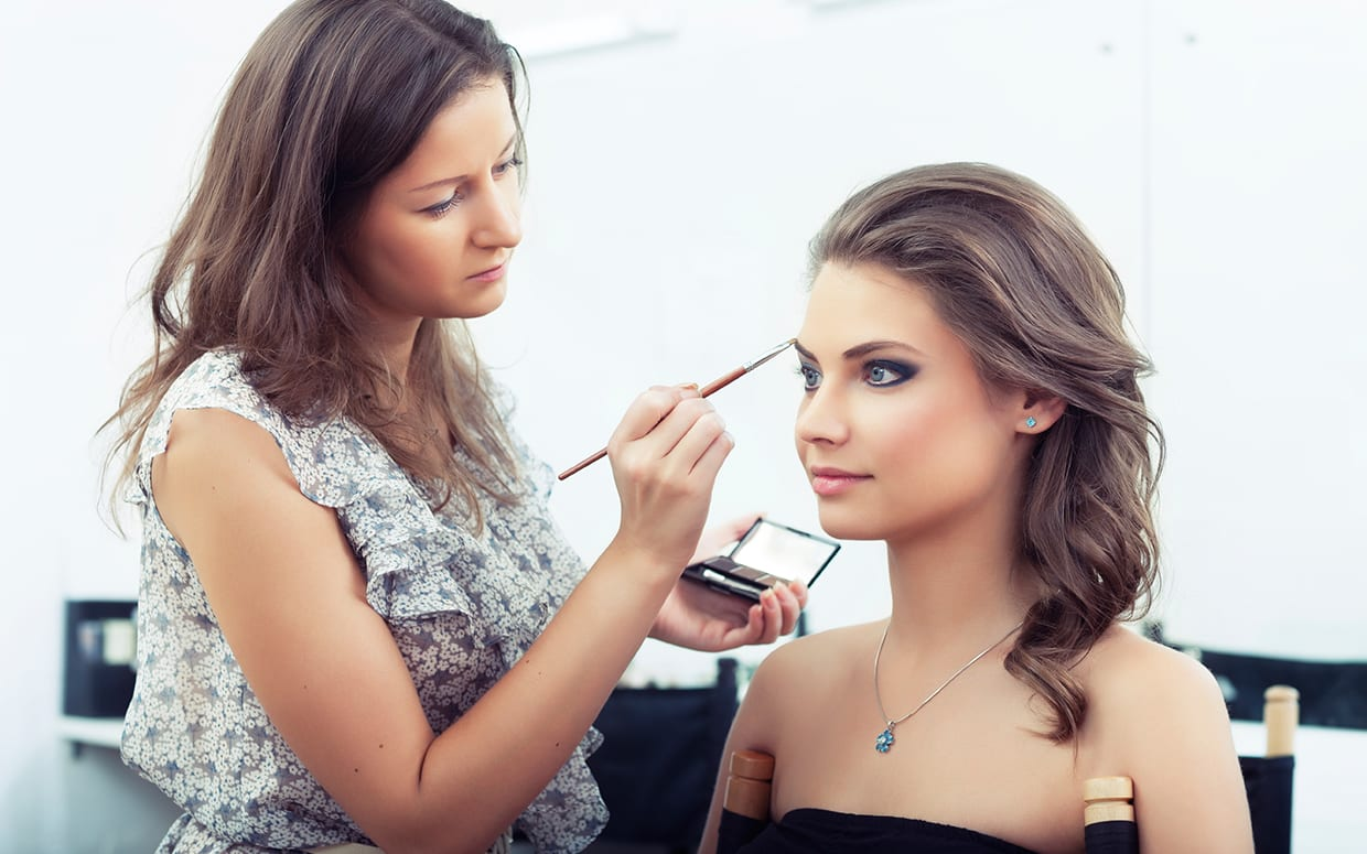 Best Part Time Jobs For Mom In 2015 - Makeup Artist